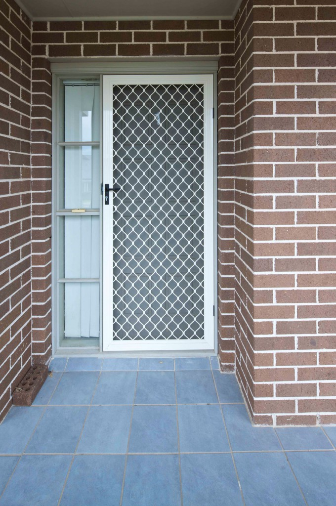 how to clean diamond security screens
